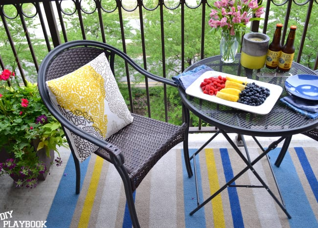 Painting-a-striped-outdoor-rug