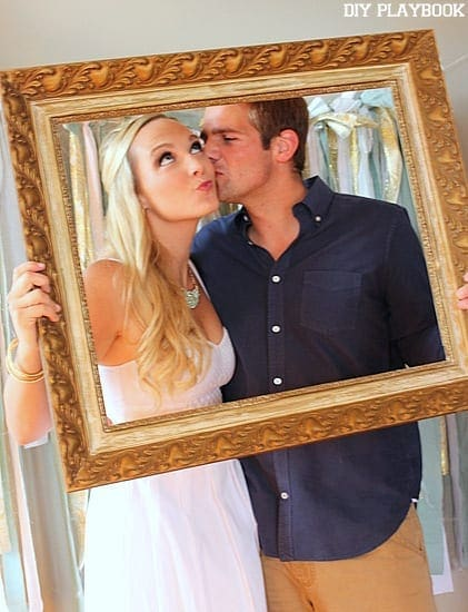 Casey-Finn-Kissing-Photo-Booth