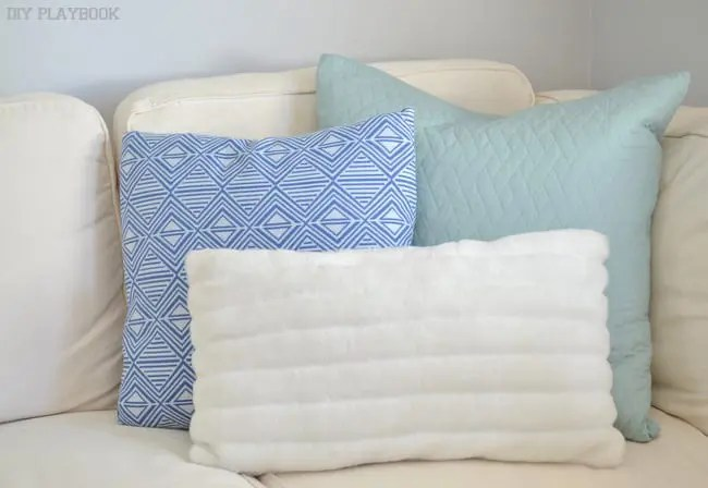 Blue-Patterned-Pillows