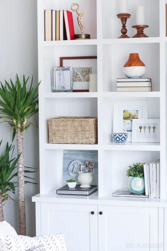 built-ins-shelves-family-room