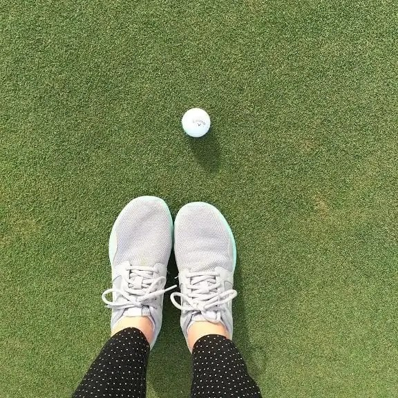 golf shoes golfball