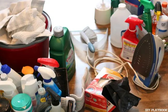 02-cleaning-supplies