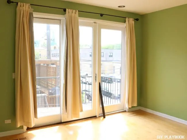 1-bedroom-curtains-before