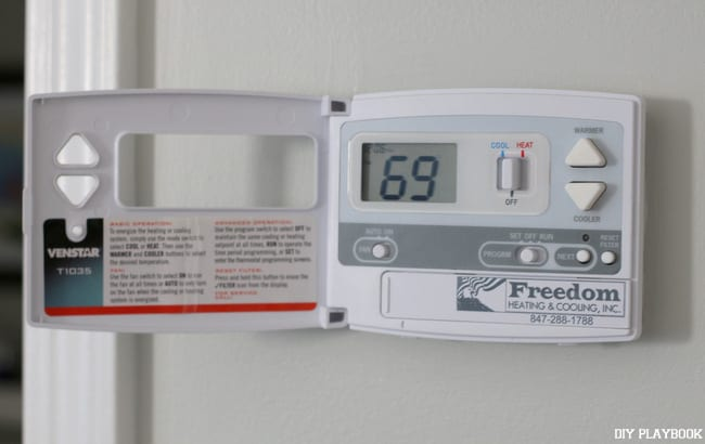 07-old-thermostat