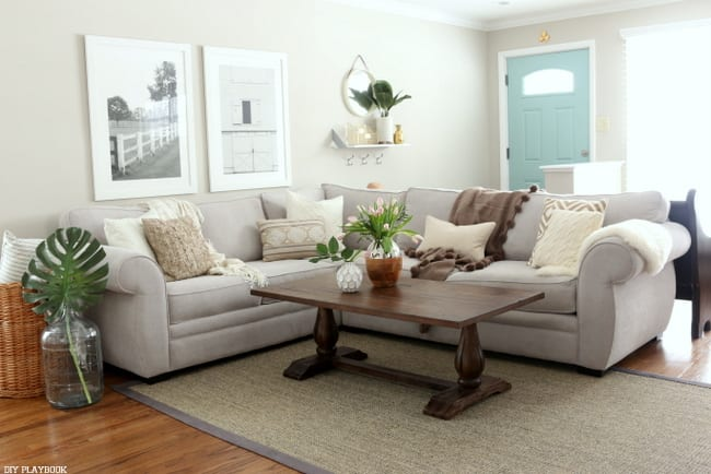 family_room_couch_pillows_flowers_Bridget-001