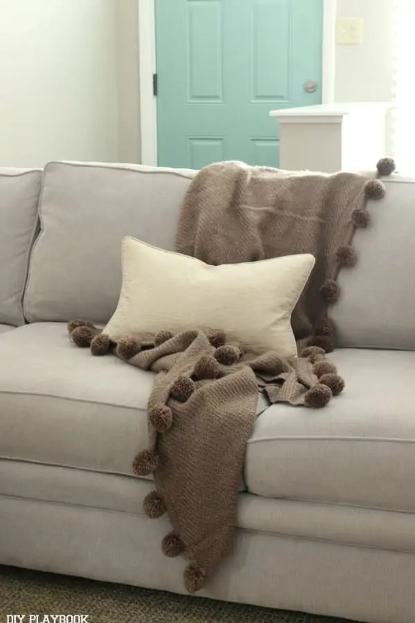 family_room_couch_pillows_flowers_Bridget-003