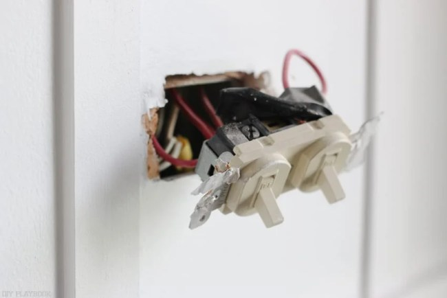changing_electrical_light_switch-7