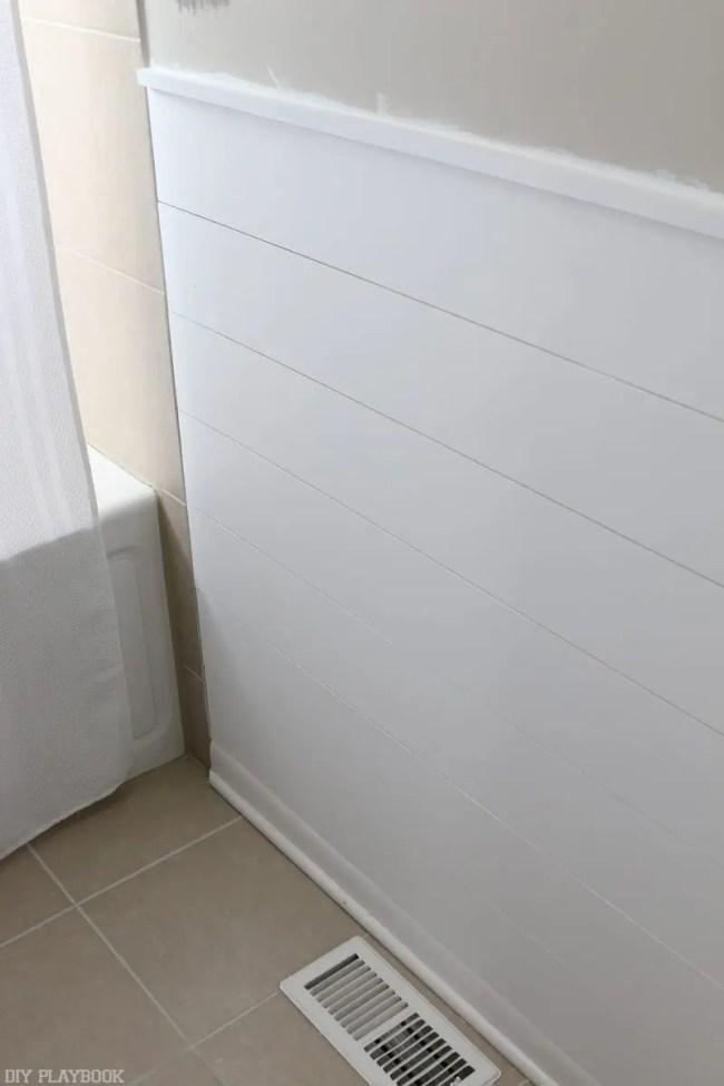 easy DIY white Shiplap Tutorial in Bathroom