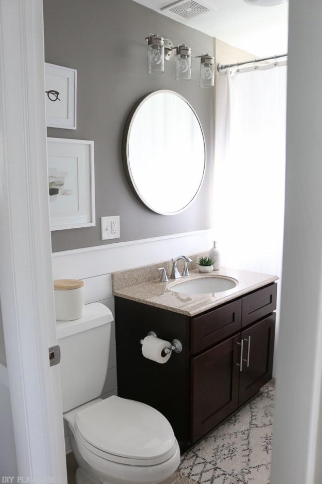 bathroom-round-mirror