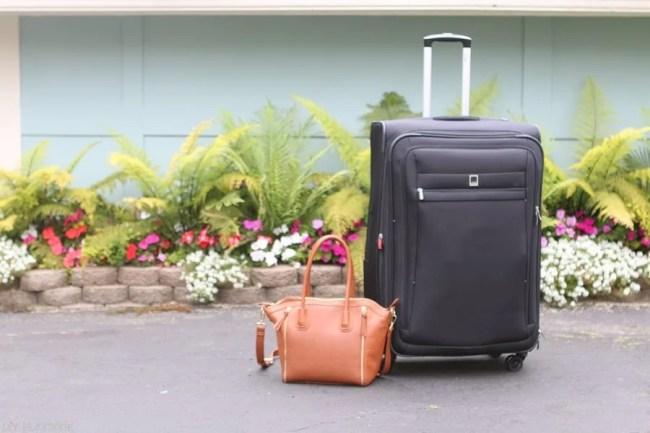 travel-essentials-suitcase-bag