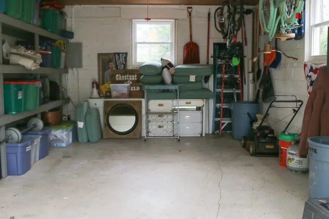 9 things i learned from diy ing my garage floor with epoxy - Things to consider before installing epoxy flooring ...