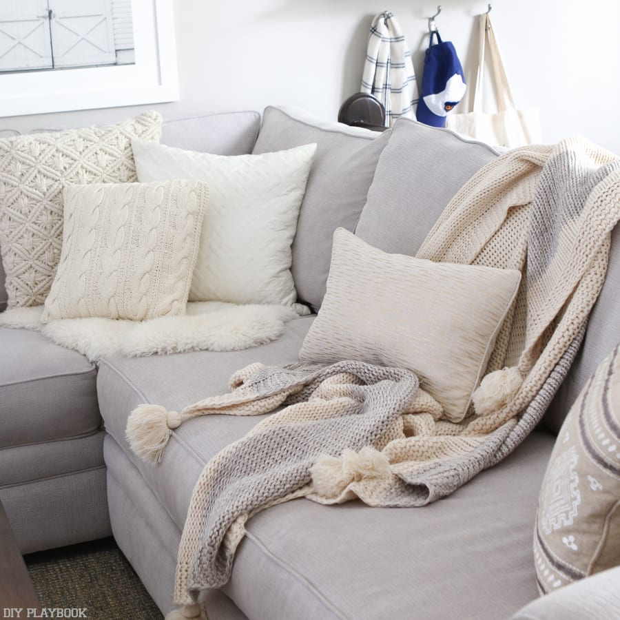 Nautical Sofa Throws The Right Way To Display Throw Blankets On Your Couch The Diy