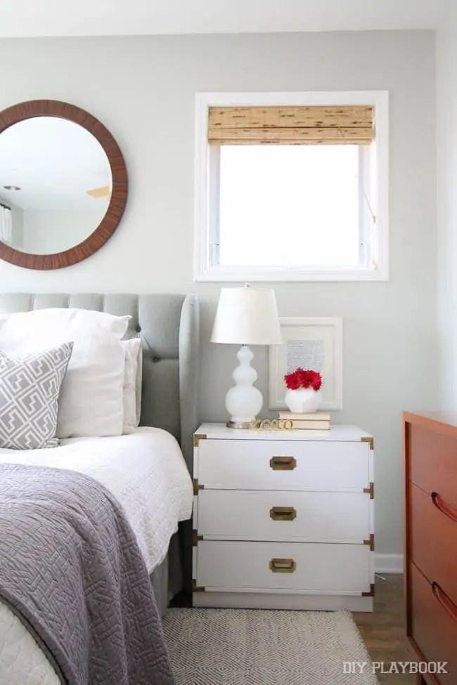 bedroom-nightstand-flowers