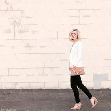 casual_necklace_bridget-blazer-walking