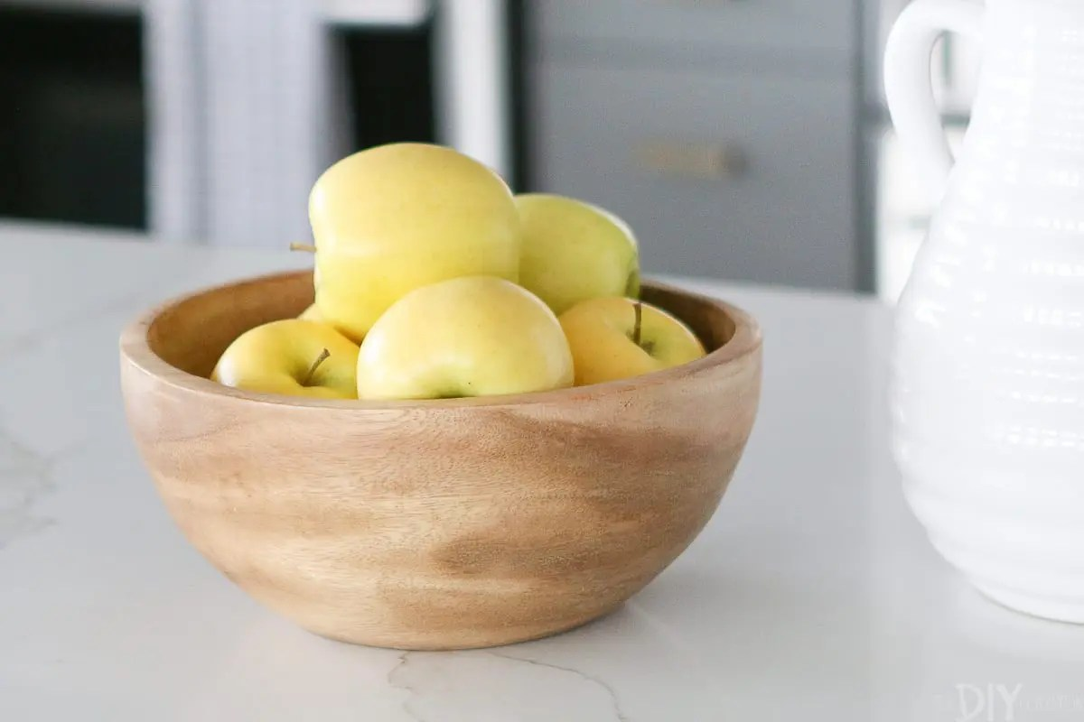 Fruit Bowl For Counter White 43 Gray Kitchen With Brass Hardware The Diy Playbook