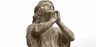 praying statue (Photo credit: FutureShape via Flickr)