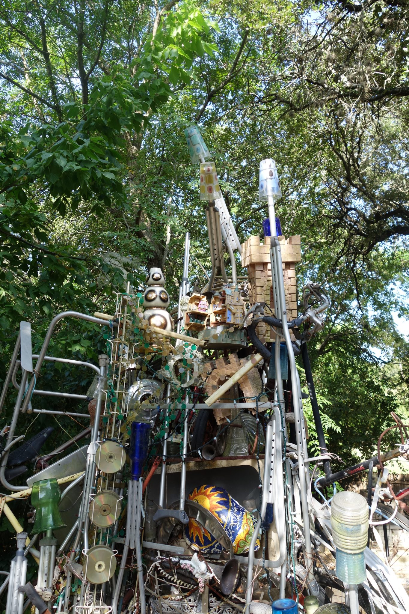 Cathedral of junk tips to visit in austin texas for Things to do near austin texas