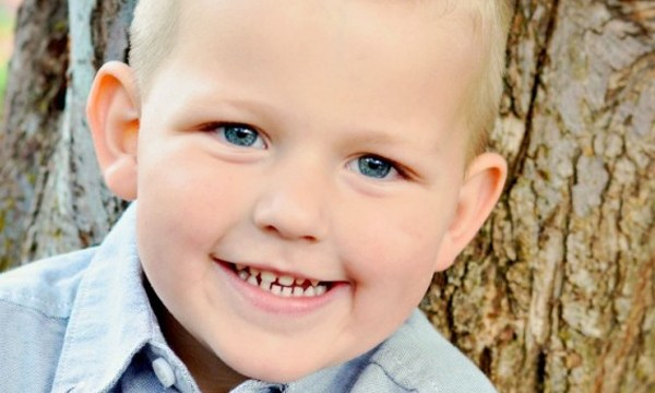 9-year-old starts snow cone stand to raise money for toddler battling seizures
