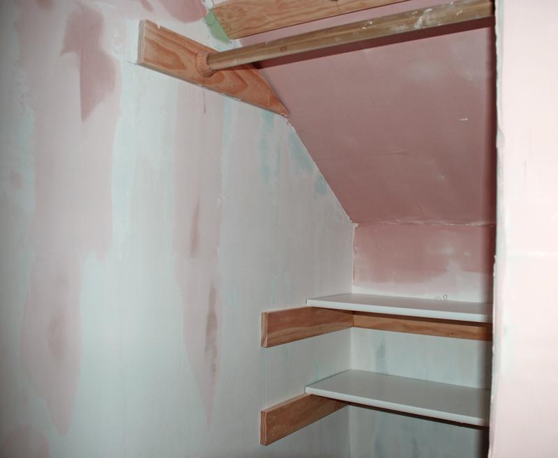 laney room closet