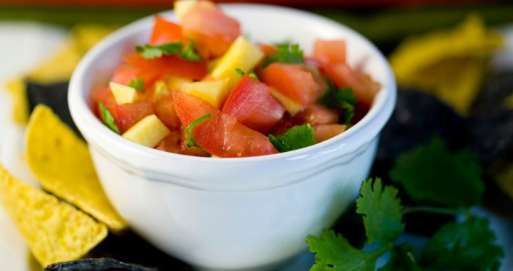 Celebrate National Salsa Month and Cinco de Mayo with healthy homemade salsa