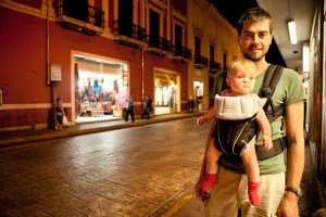 Mila and Tom on our evening walk in Merida (Mexixo), Photo: Anna Alboth
