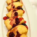Poundcake with berries by Agriberry