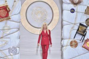 versace-runway-milan-fashion-week-20140621-191507-222