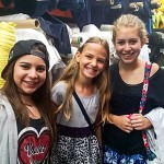 teen fashion campers shop for fabric and sew