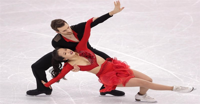 Figure Skater39s Costume Falls Off Exposing Her To Olympics