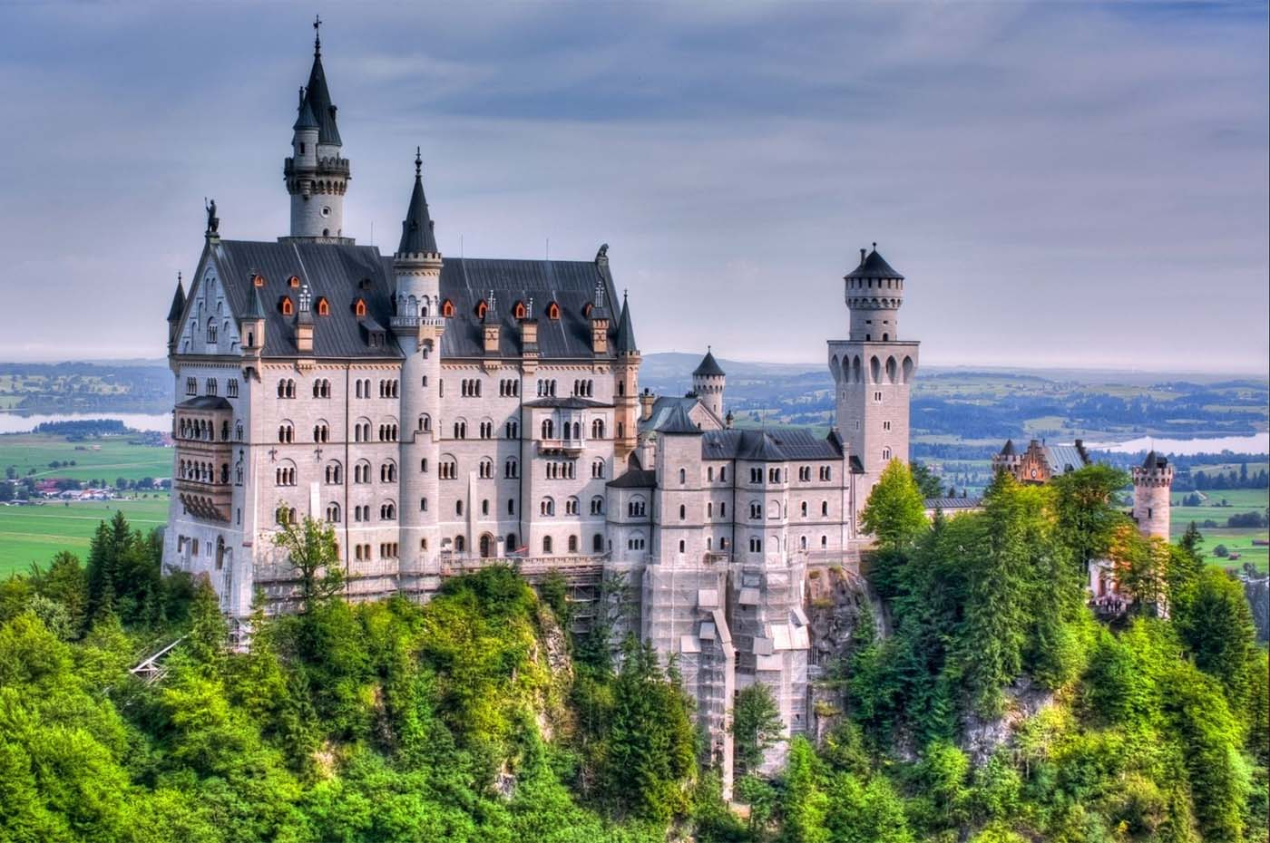 the finest magazine   the world's most-visited palaces and castles