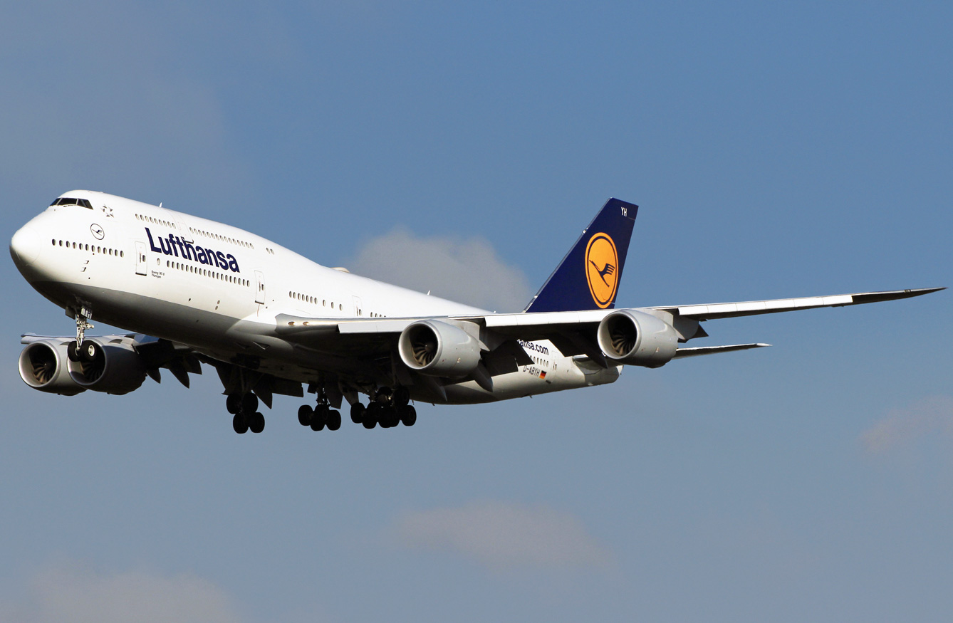 Boeing Airplane Boeing 747 800 Lufthansa Photos And Description Of The Plane