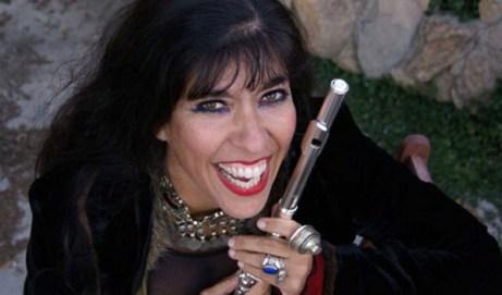 6 Travel Tips for the Touring Musician by Viviana Guzman