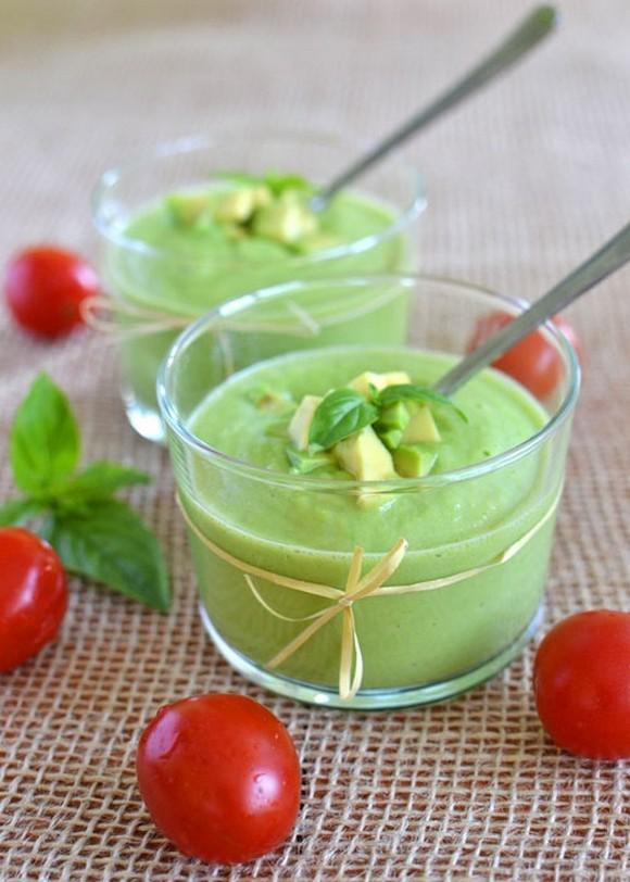 Raw Avocado Soup recipe by Naturelita