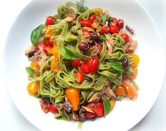 Tagliatelle with Cherry Tomatoes, Tuna, Anchovies & Basil recipe photo