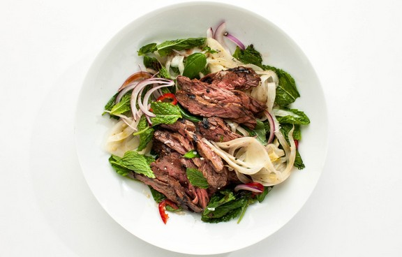 Skirt Steak with Pickled Fennel Salad recipe