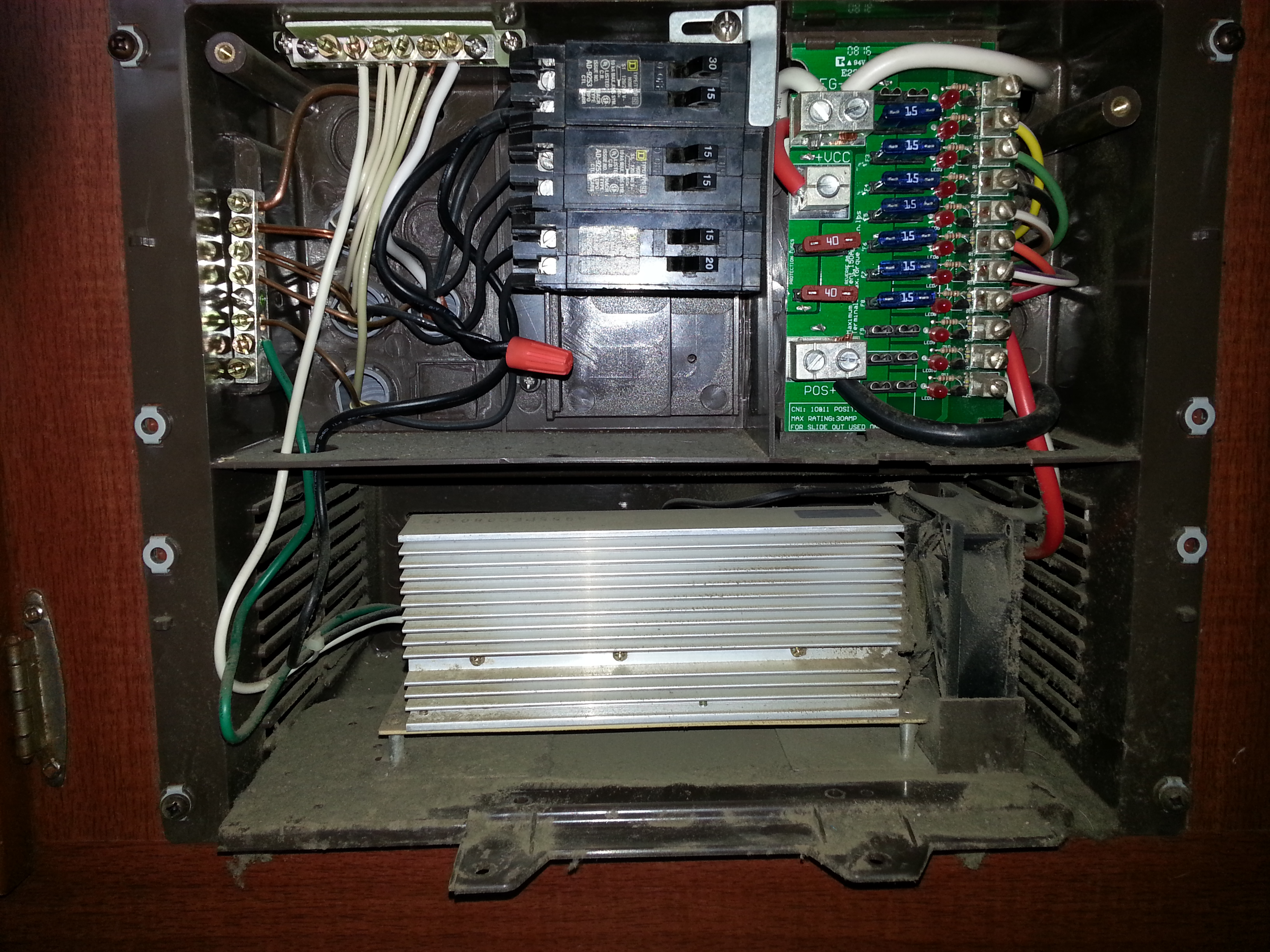 30 amp rv fuse box