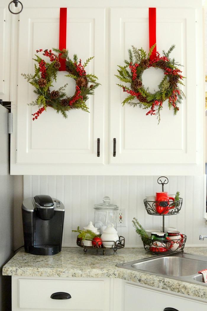 Christmas in the Kitchen - christmas kitchen decor