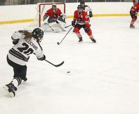 web_spo_womens_hockey_opener_cred_kyle_darbyson