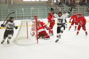 WEB_SPO_Women's_Hockey_cred_Kyle_Darbyson