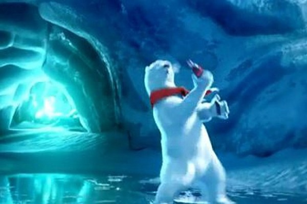 Super Cute Baby Cat Drinking Bottle Wallpaper Coke Super Bowl 2012 Commercial Features Polar Bear
