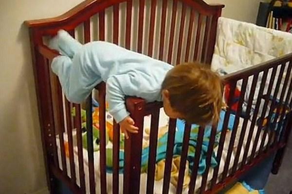 10 Daring Babies Escaping Their Cribs