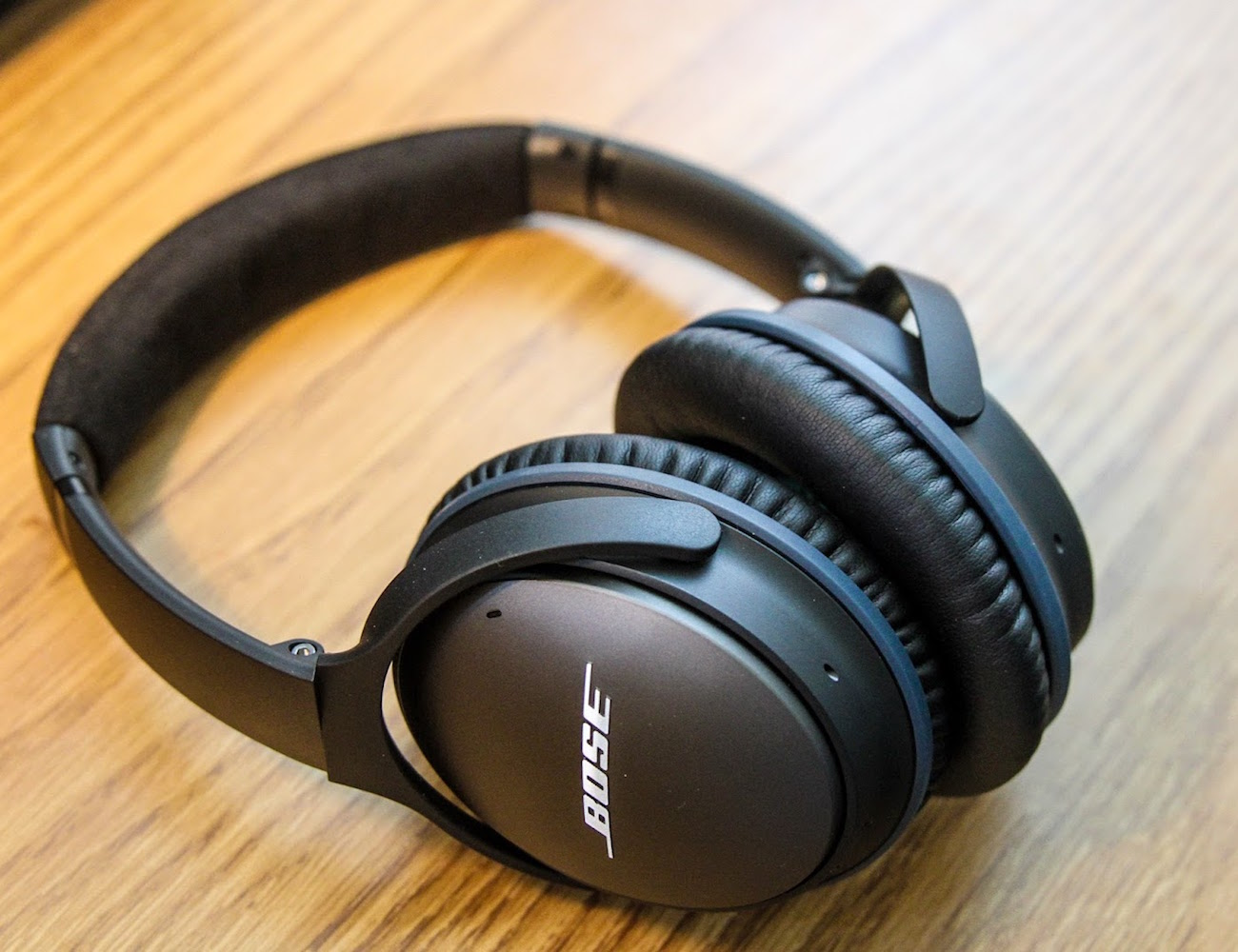 Bose Noise Cancelling Quietcomfort 25 Noise Cancelling Headphones From Bose
