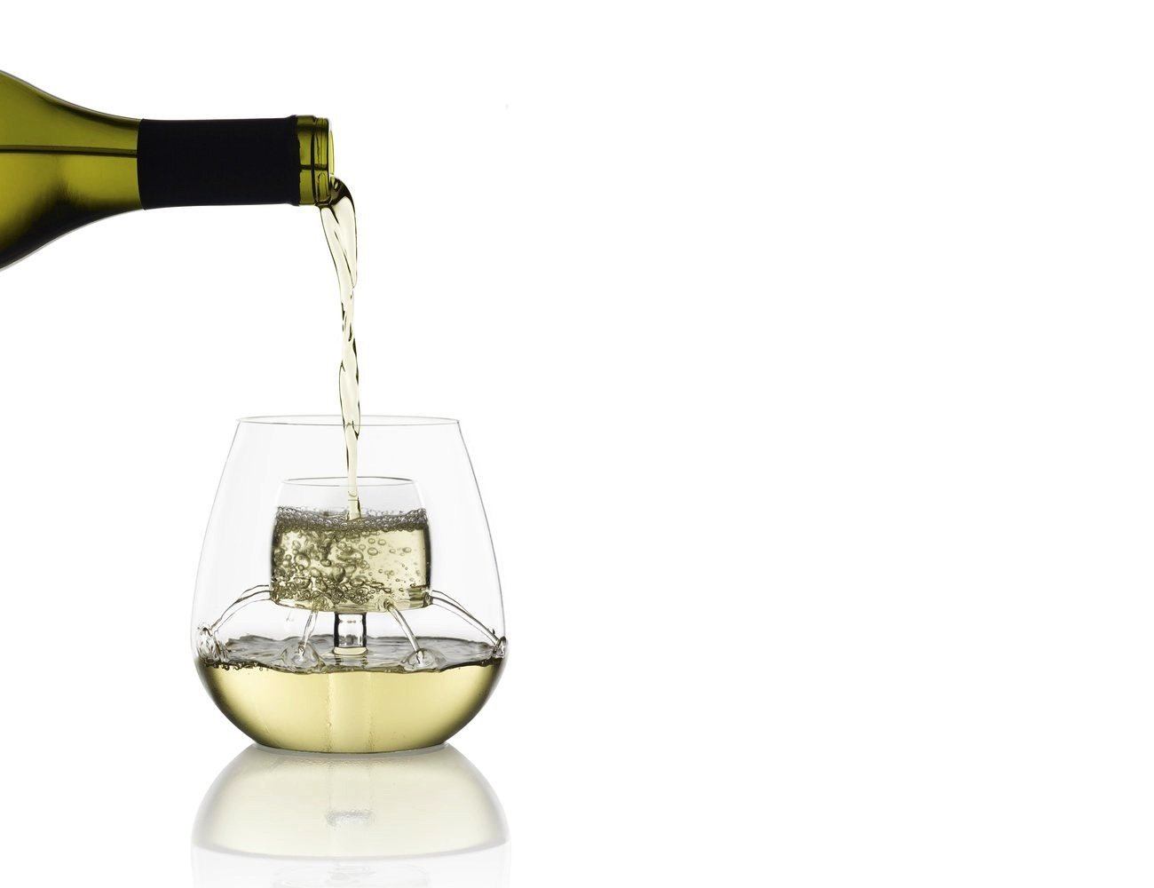 stemless aerating wine glass