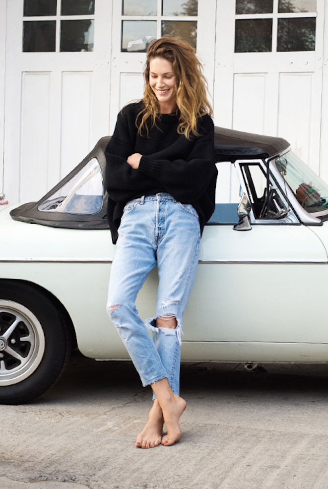 01_The_Garage_Starlets_Trends_Mom_Jeans_Erin_Wasson_Campaign_.pg