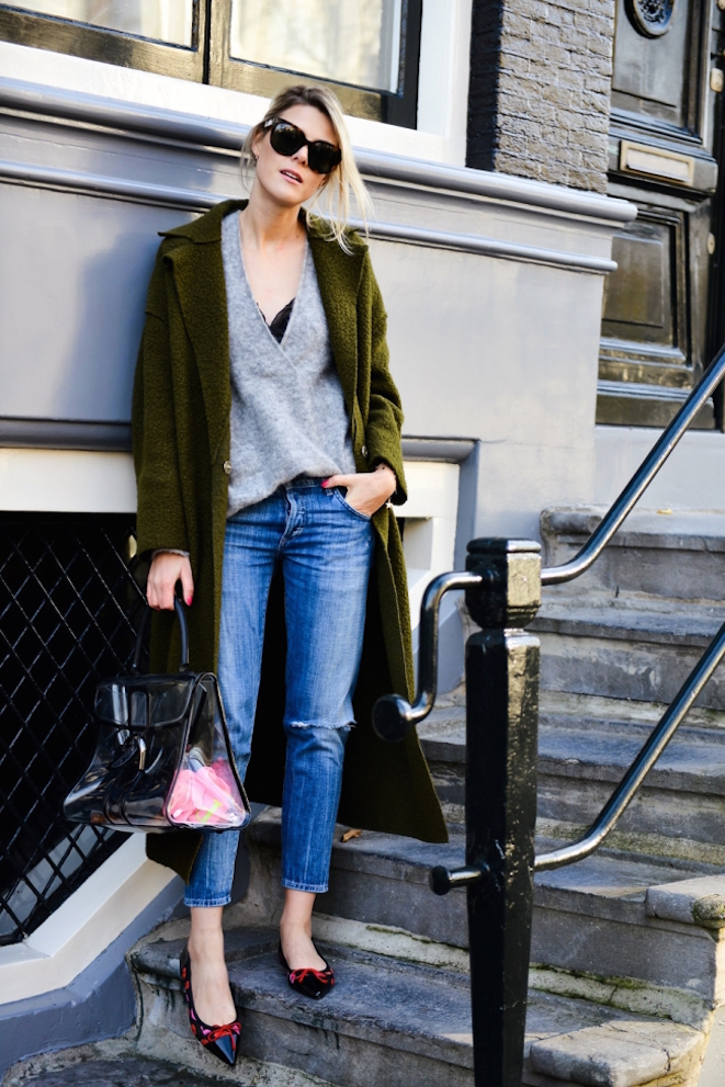 02_The_Garage_Starlets_Trends_Mom_Jeans_Fashionata_Com