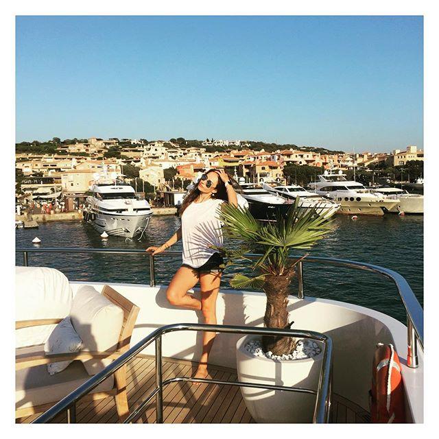 The_Garage_Starlets_Katia_Peneva_Popov_Alina_Popov_Instagram_08