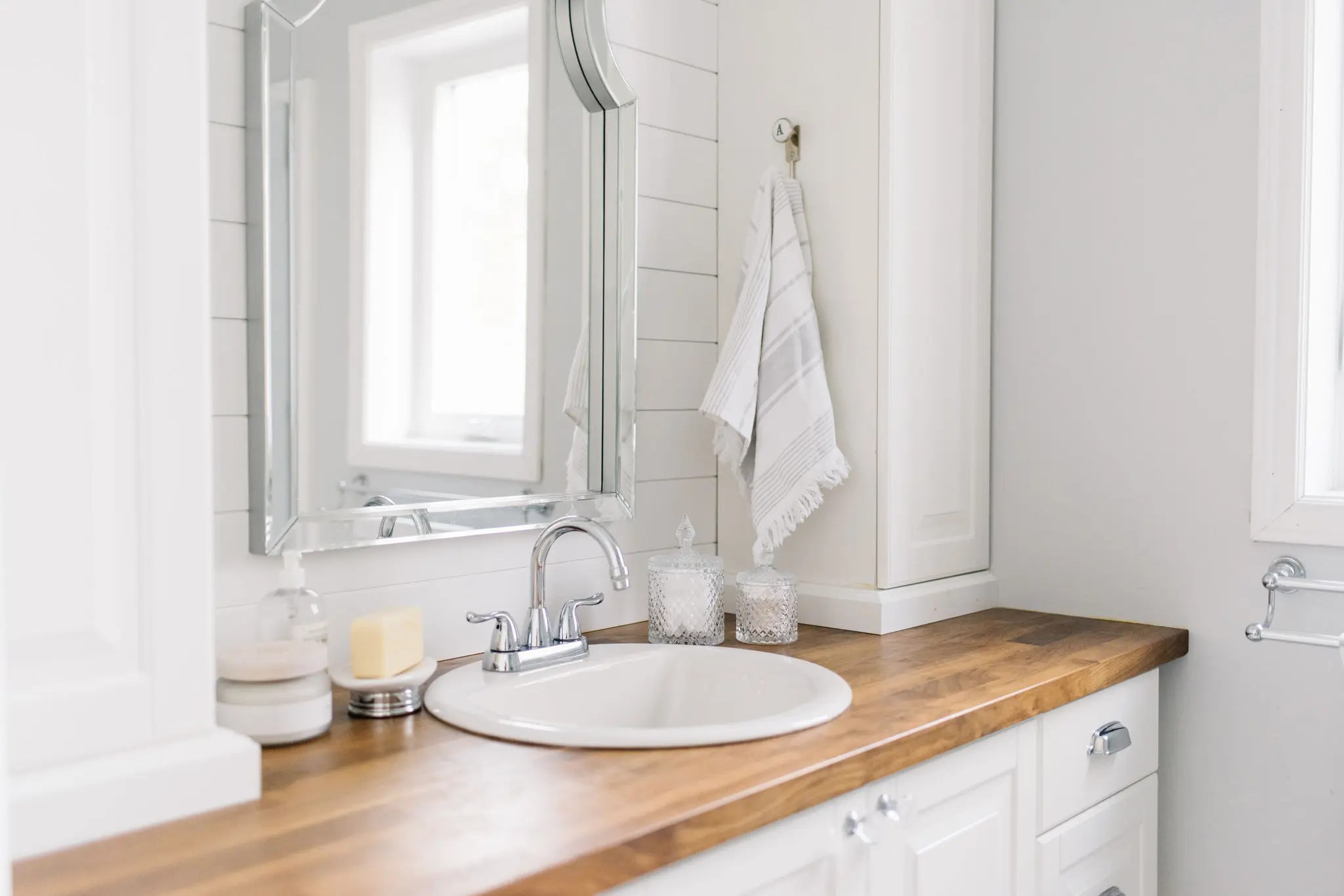 7 Tiny Master Bathroom Design Tips The Ginger Home