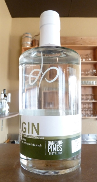 dancing-pines-gin-bottle