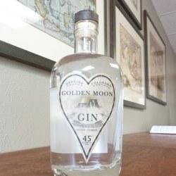 golden-moon-gin-bottle