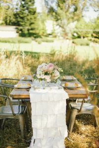 Two Stylish Summer Table Settings | Glitter Guide